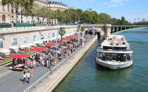 Paris provides pop-up beaches for summer fun