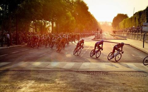 The Tuileries Fair and the Tour de France; highlights of summer