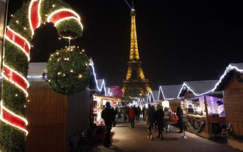 Spend an a wonderful end of year holiday in Paris