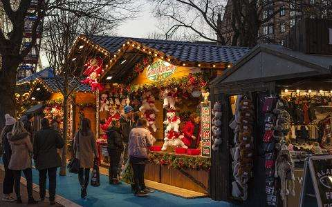 Visit the Parisian Christmas Markets